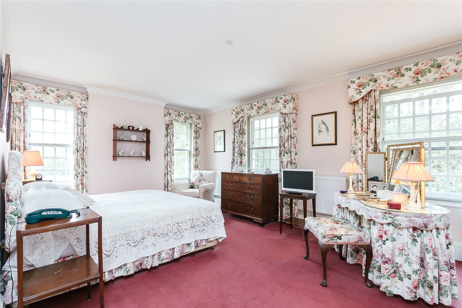 Additional photo for property listing at London Road, Sunningdale, Berkshire, SL5 Berkshire, England