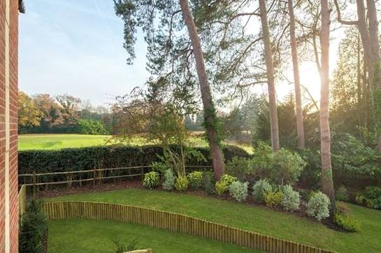 Additional photo for property listing at High Peak, London Road, Sunningdale, Berkshire, SL5 Sunningdale, Inghilterra