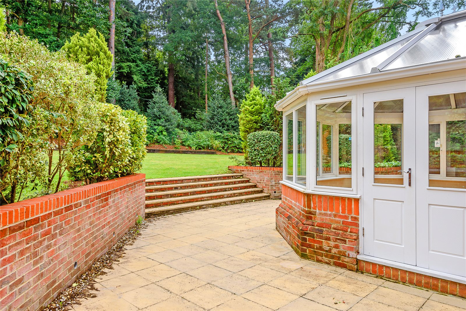 Additional photo for property listing at Bagshot Road, Ascot, Berkshire, SL5 Ascot, Engeland