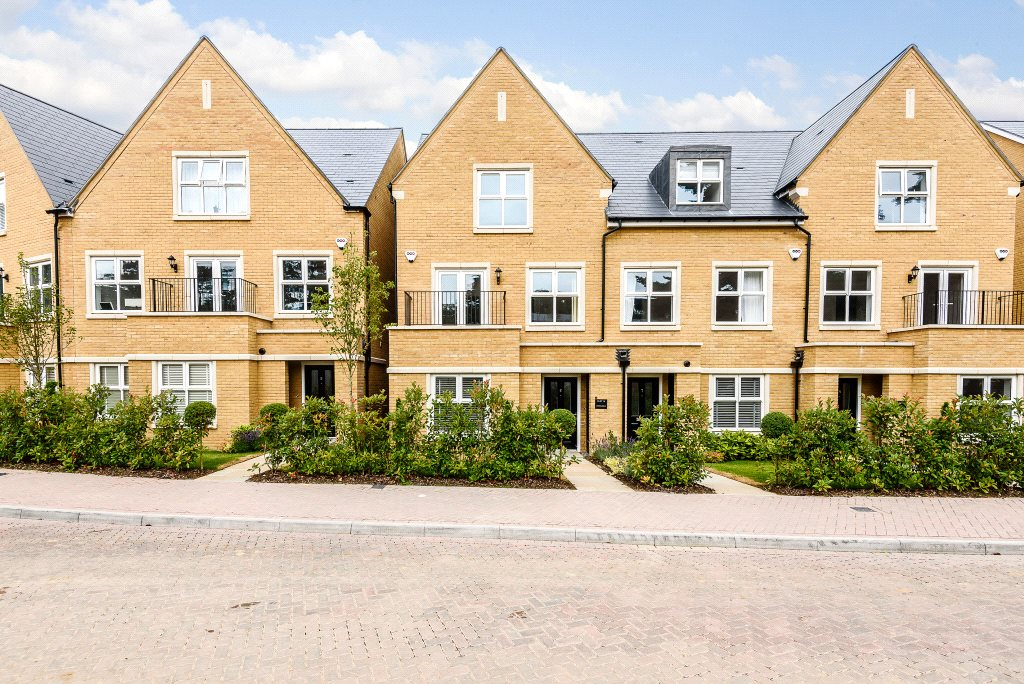 Single Family Home for Sale at Queenswood Crescent, Englefield Green, Surrey, TW20 Surrey, England