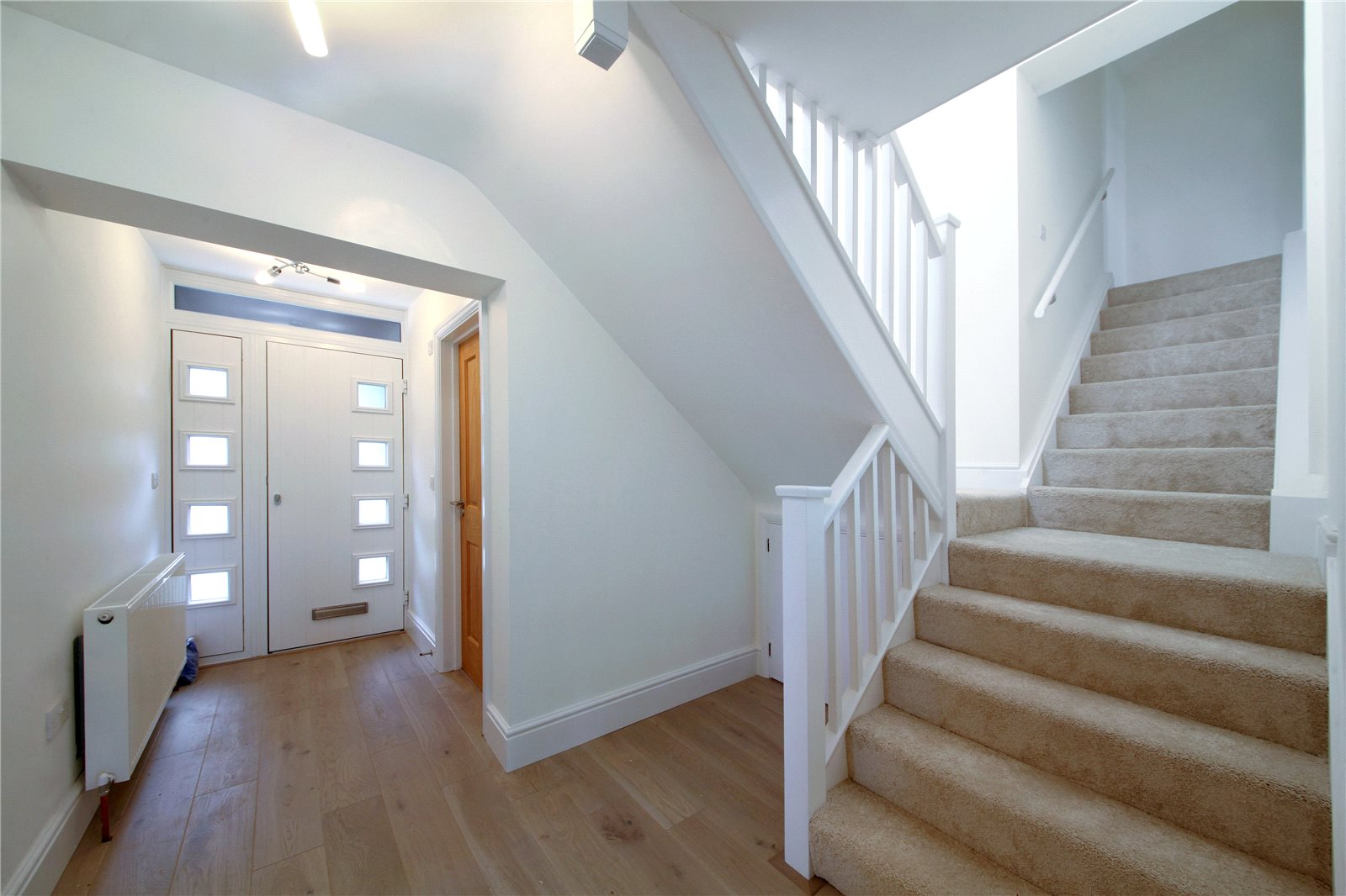 Additional photo for property listing at Giles Travers Close, Thorpe, Surrey, TW20 Thorpe, Англия