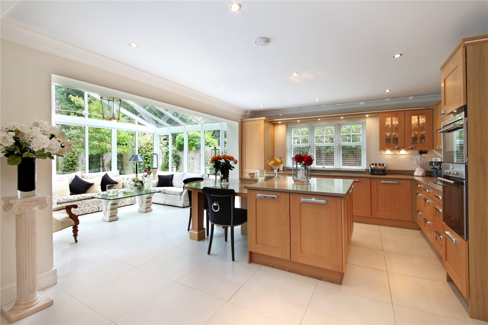 Additional photo for property listing at Chapel Pines, Camberley, Surrey, GU15 Camberley, England