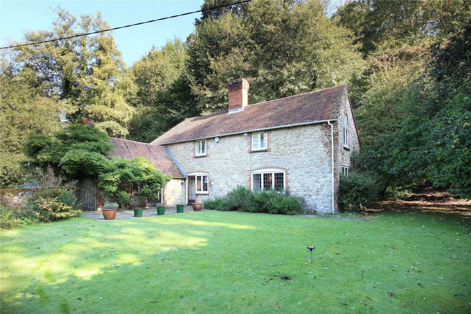 Additional photo for property listing at Mote Road, Ivy Hatch, Sevenoaks, Kent, TN15 Sevenoaks, Ingiltere