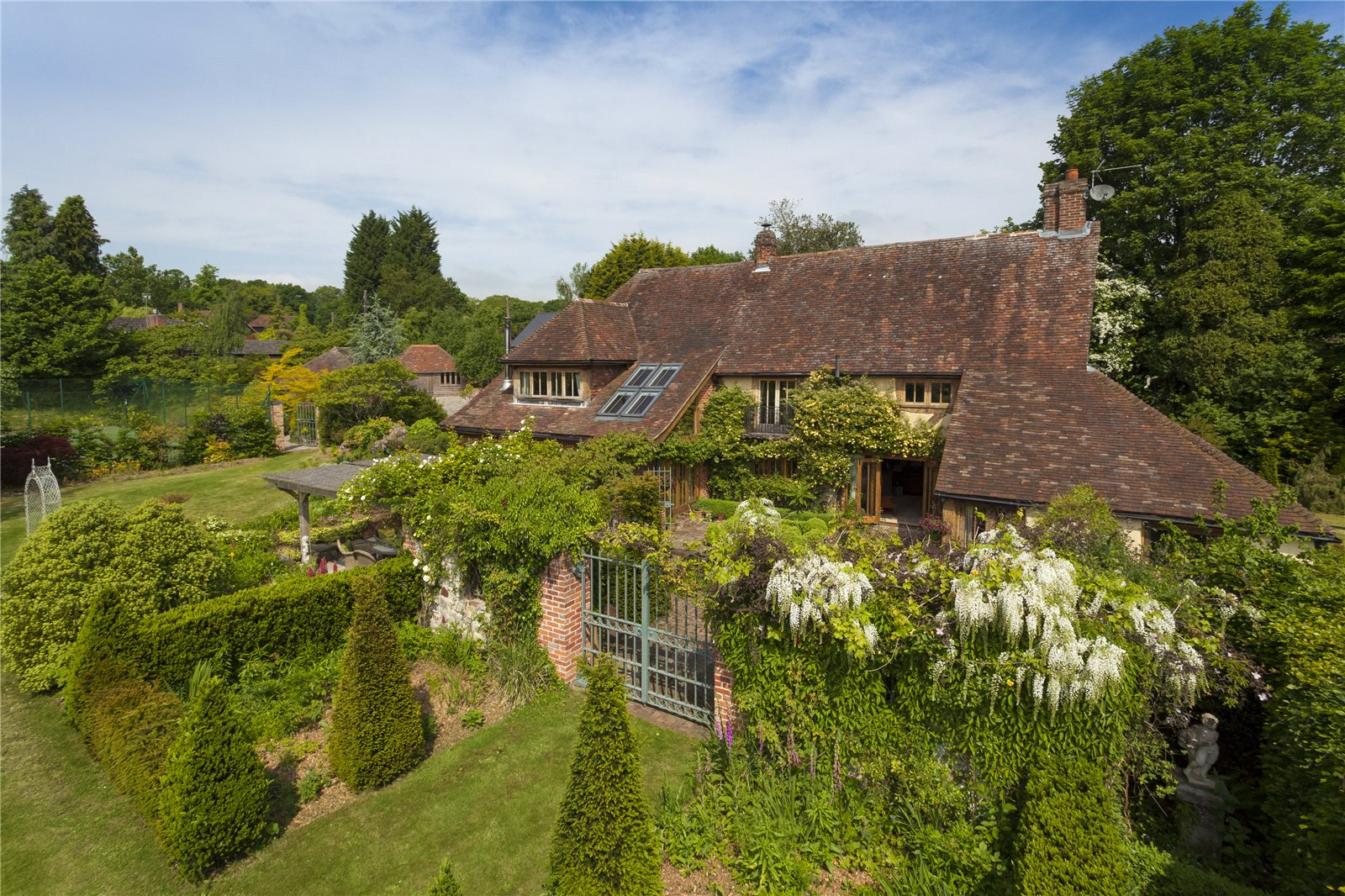 Additional photo for property listing at Mill House Lane, Addington,West Malling, Nr Sevenoaks, Kent, ME19 Kent, Англия
