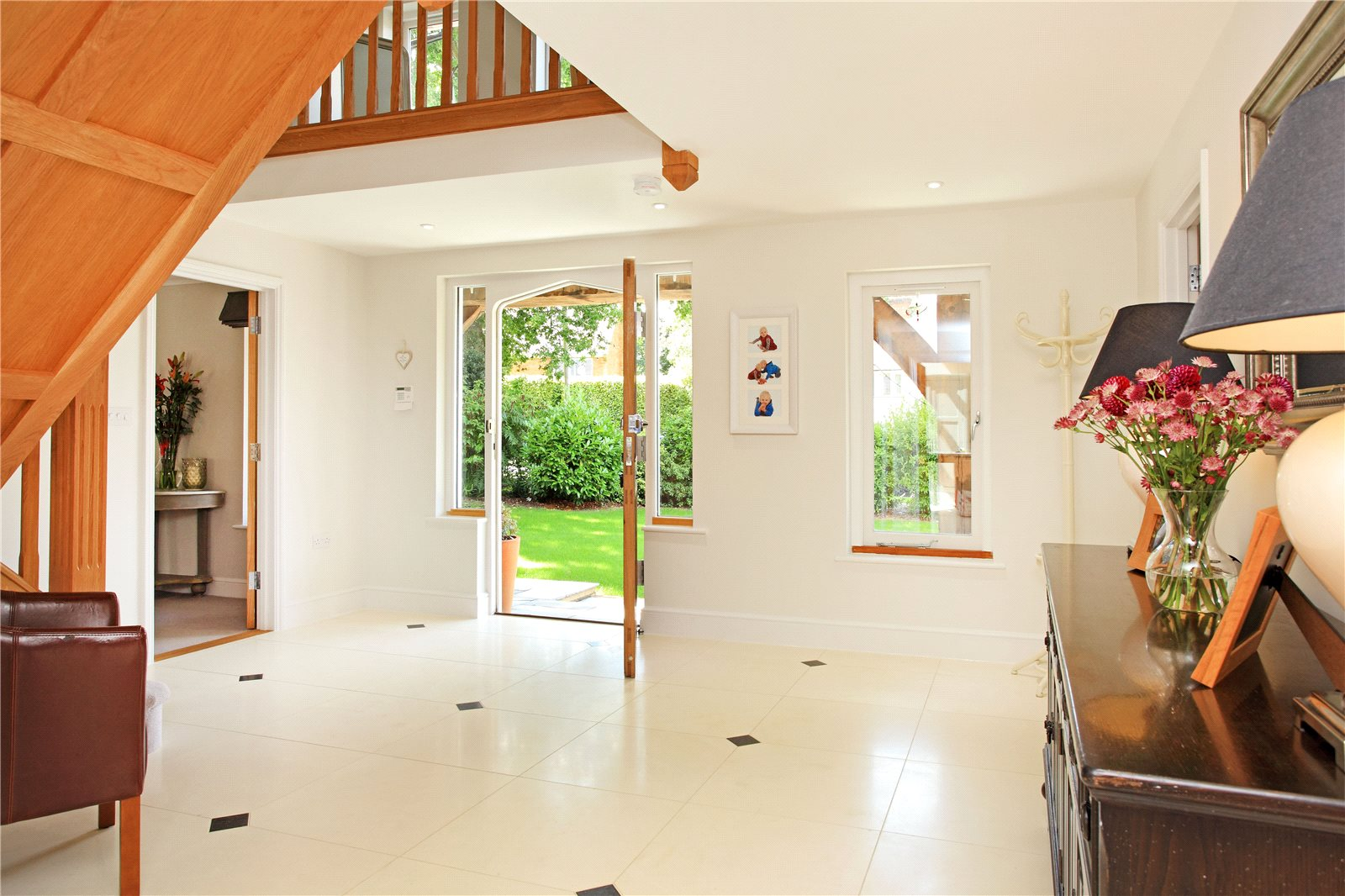 Additional photo for property listing at The Rise, Sevenoaks, Kent, TN13 Sevenoaks, Англия