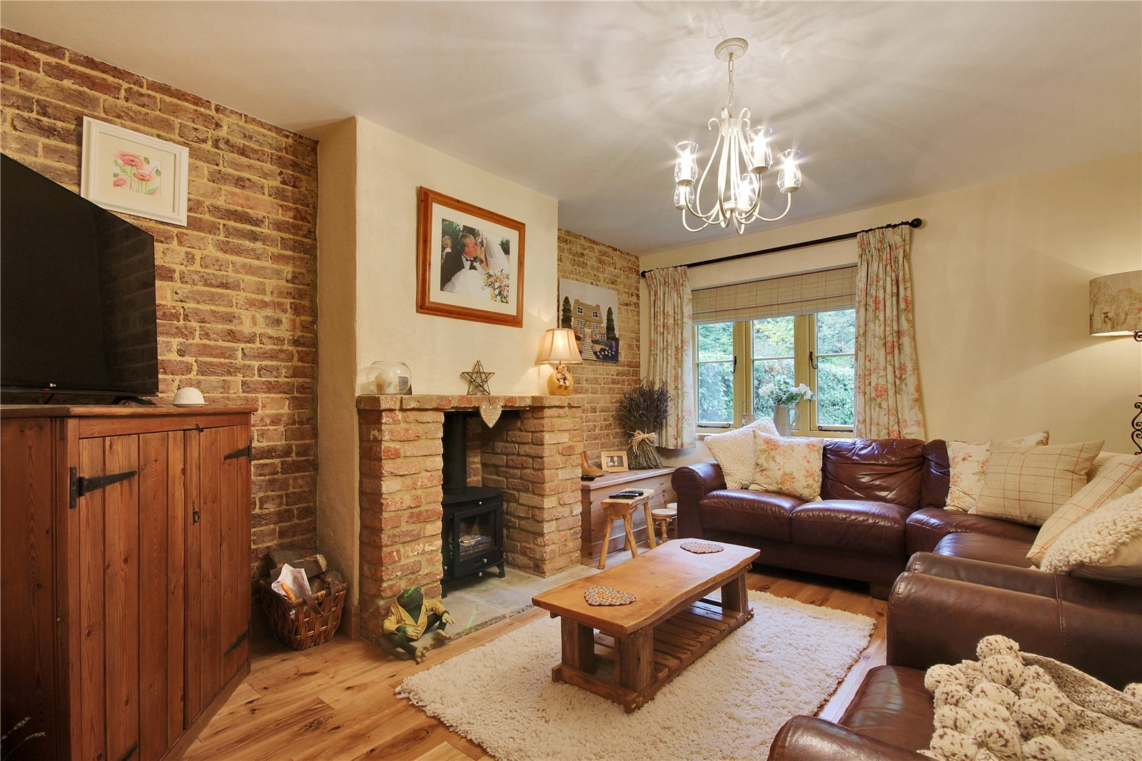 Additional photo for property listing at New Cottages, Puttenden Road, Shipbourne, Tonbridge, TN11 Tonbridge, Angleterre