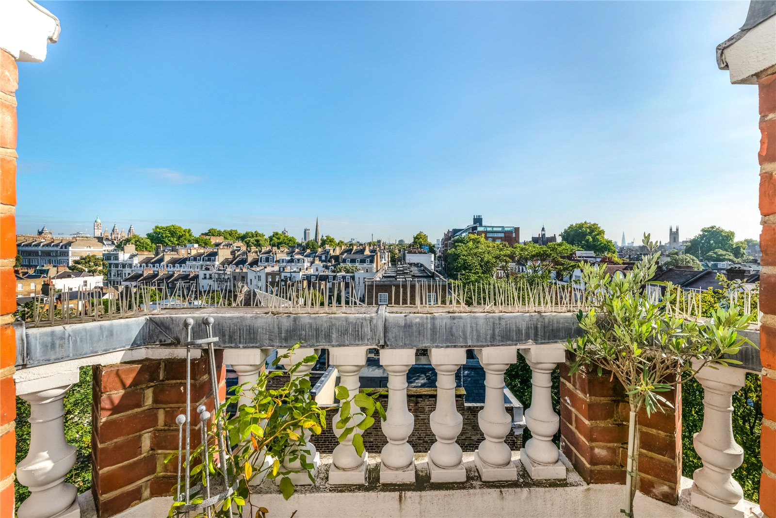 Additional photo for property listing at Cranley Gardens, South Kensington, London, SW7 South Kensington, London, Angleterre