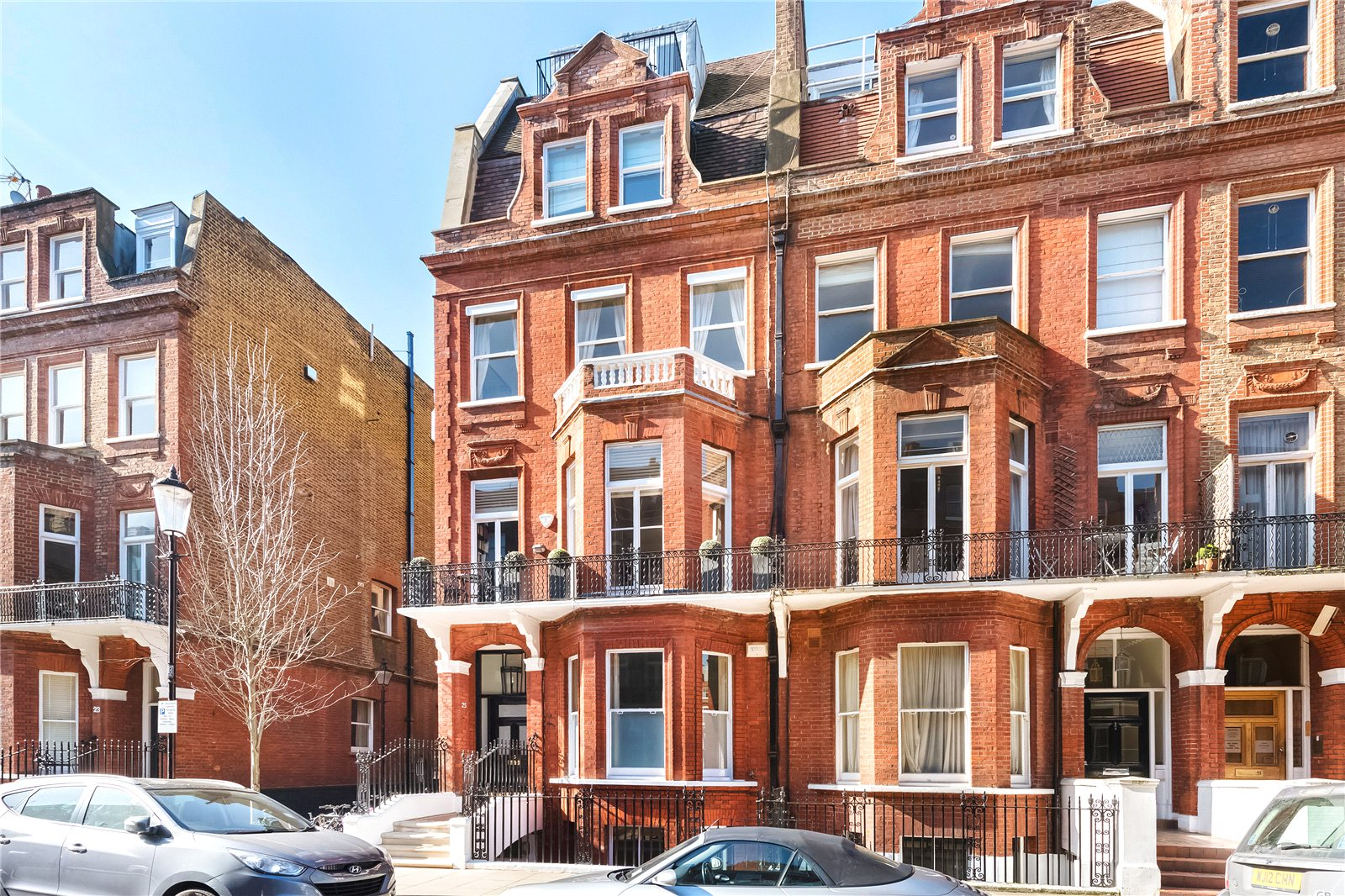 Additional photo for property listing at Rosary Gardens, South Kensington, London, SW7 South Kensington, London, Angleterre
