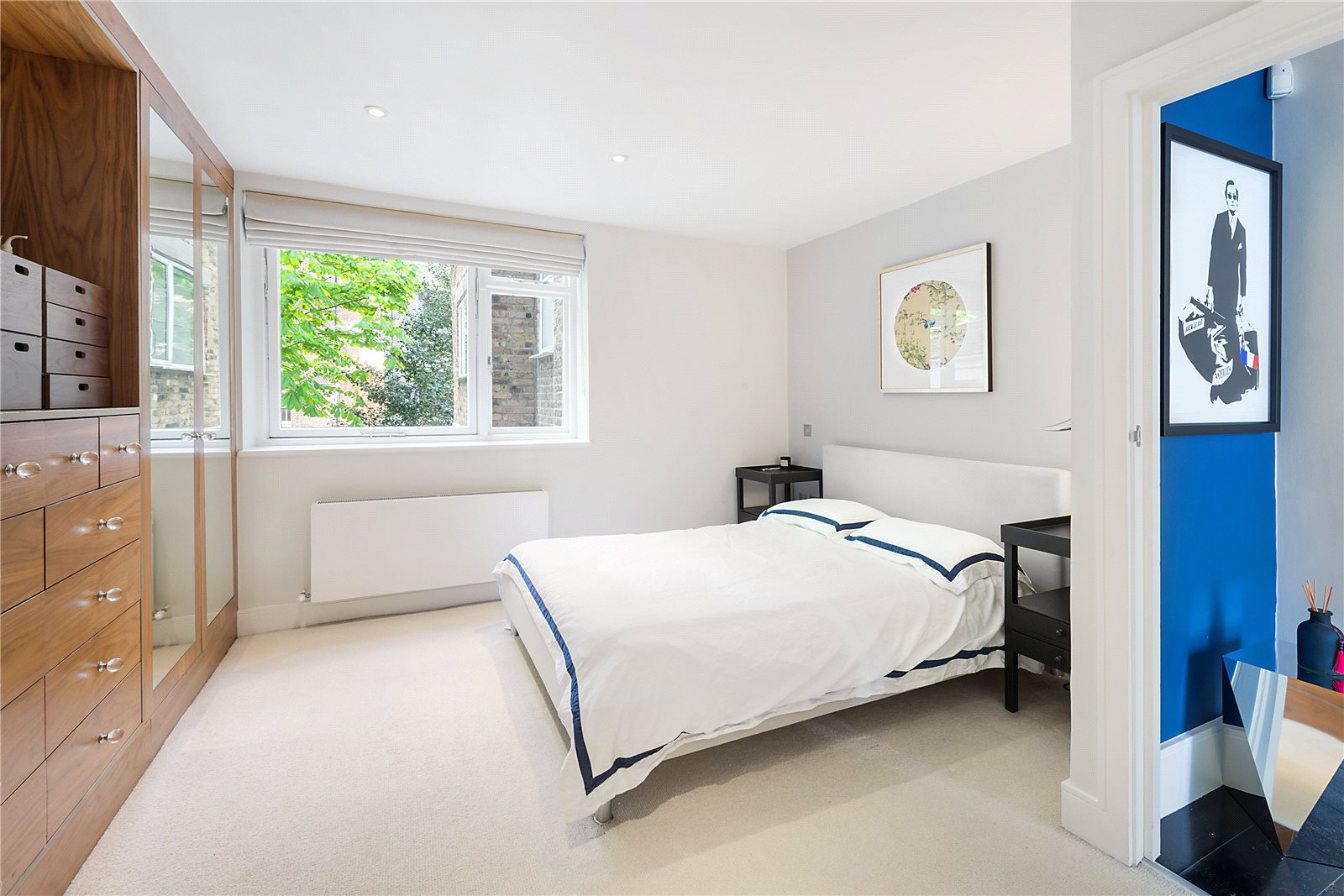 Additional photo for property listing at Bina Gardens, South Kensington, London, SW5 South Kensington, London, Inghilterra