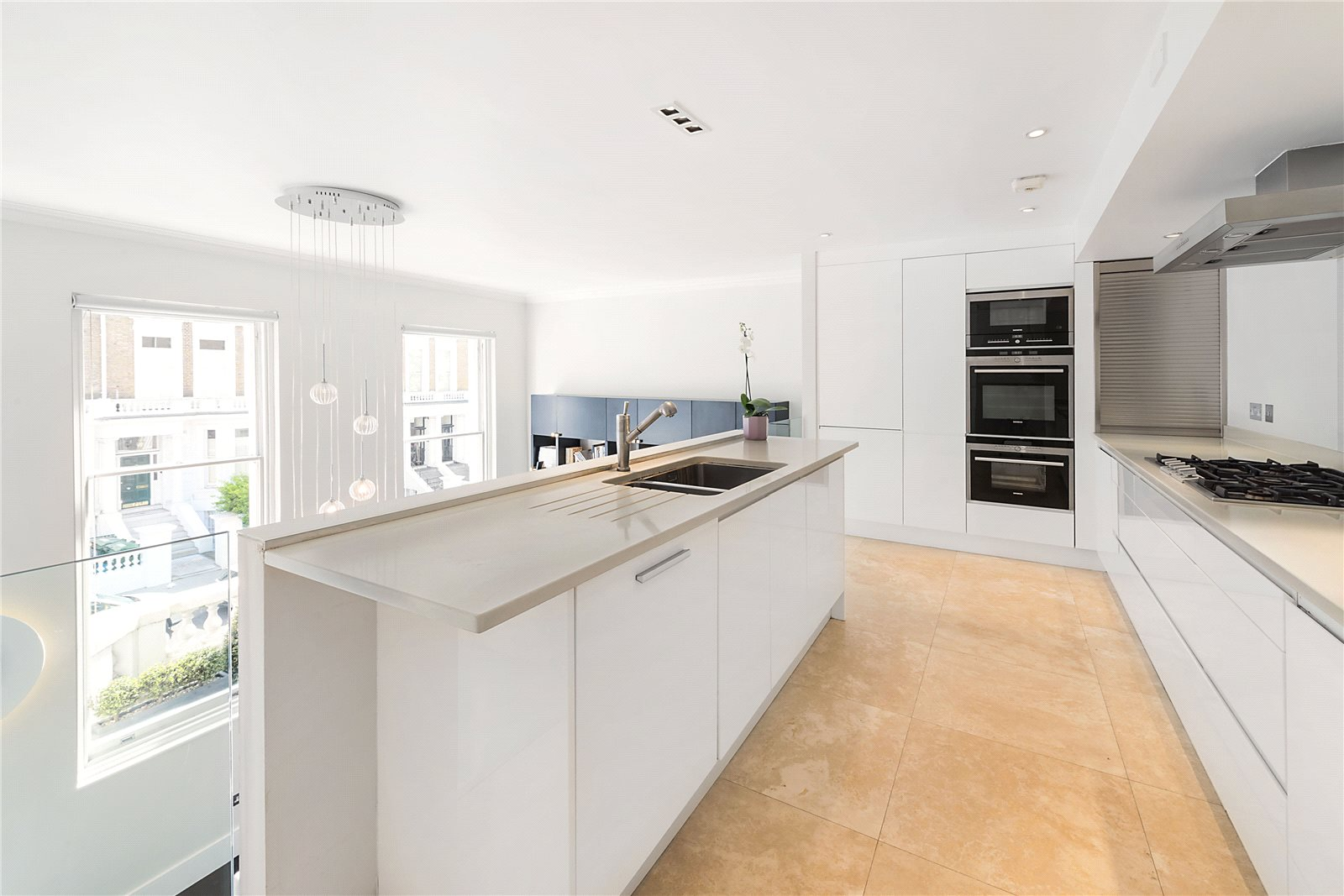 Additional photo for property listing at Bina Gardens, South Kensington, London, SW5 South Kensington, London, Angleterre