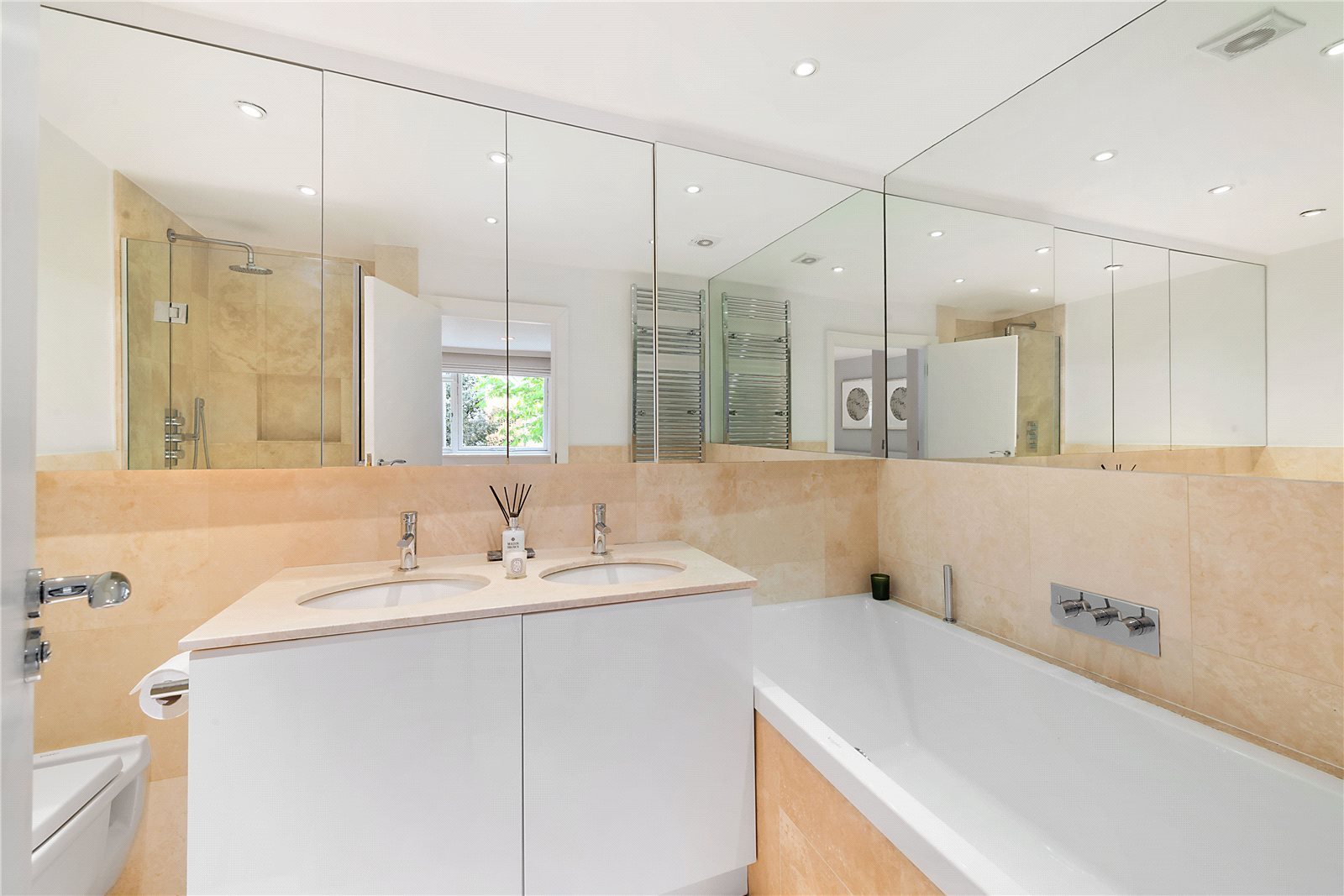 Additional photo for property listing at Bina Gardens, South Kensington, London, SW5 South Kensington, London, Anh Quốc