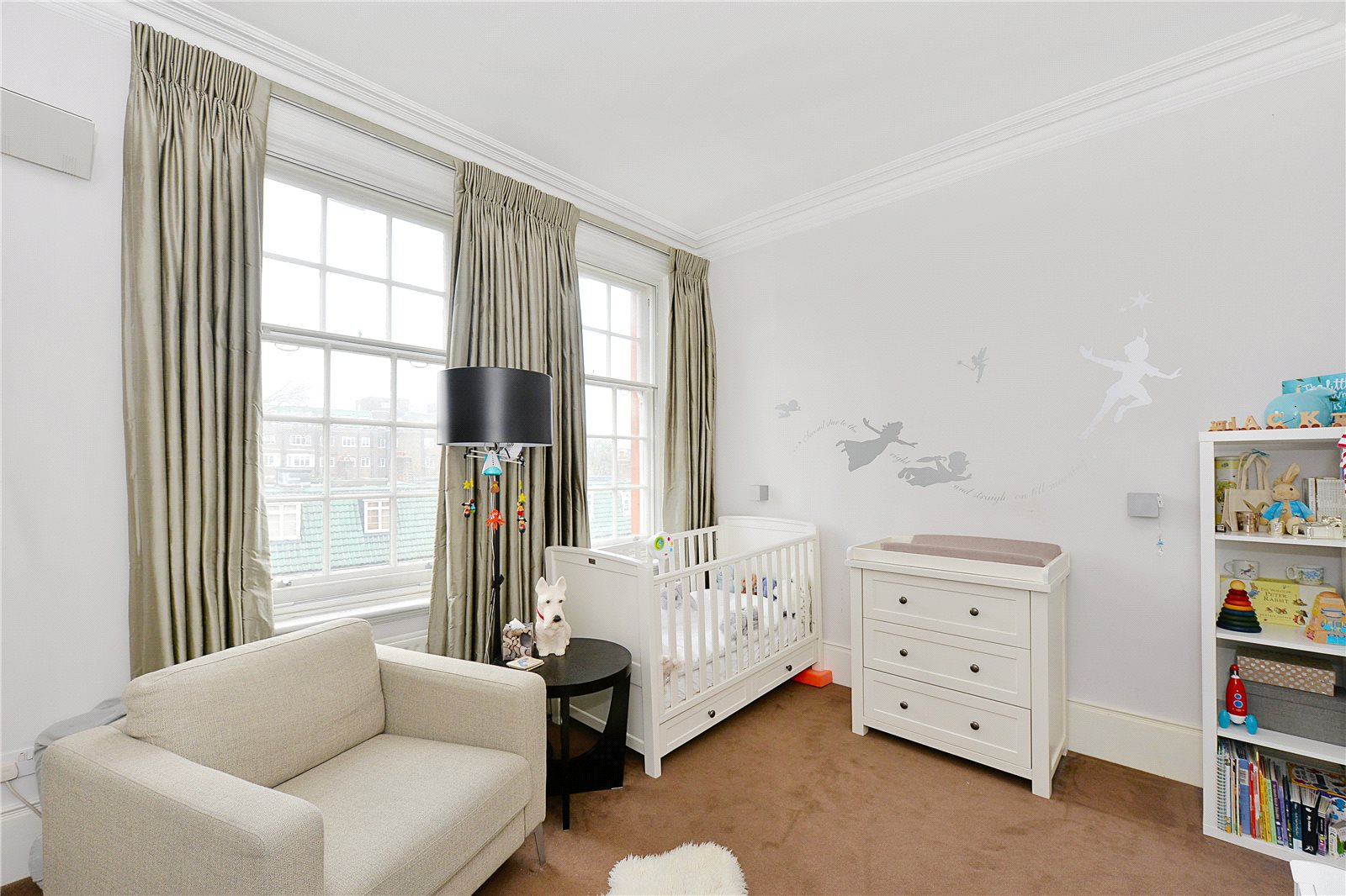 Additional photo for property listing at Warwick Mansions, Cromwell Crescent, London, SW5 London, Ingiltere