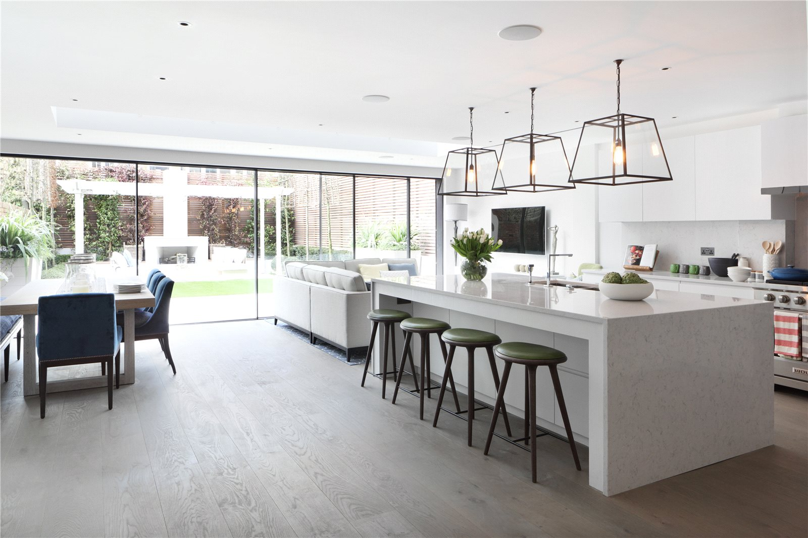 Single Family Home for Sale at Netherton Grove, London, SW10 London, England