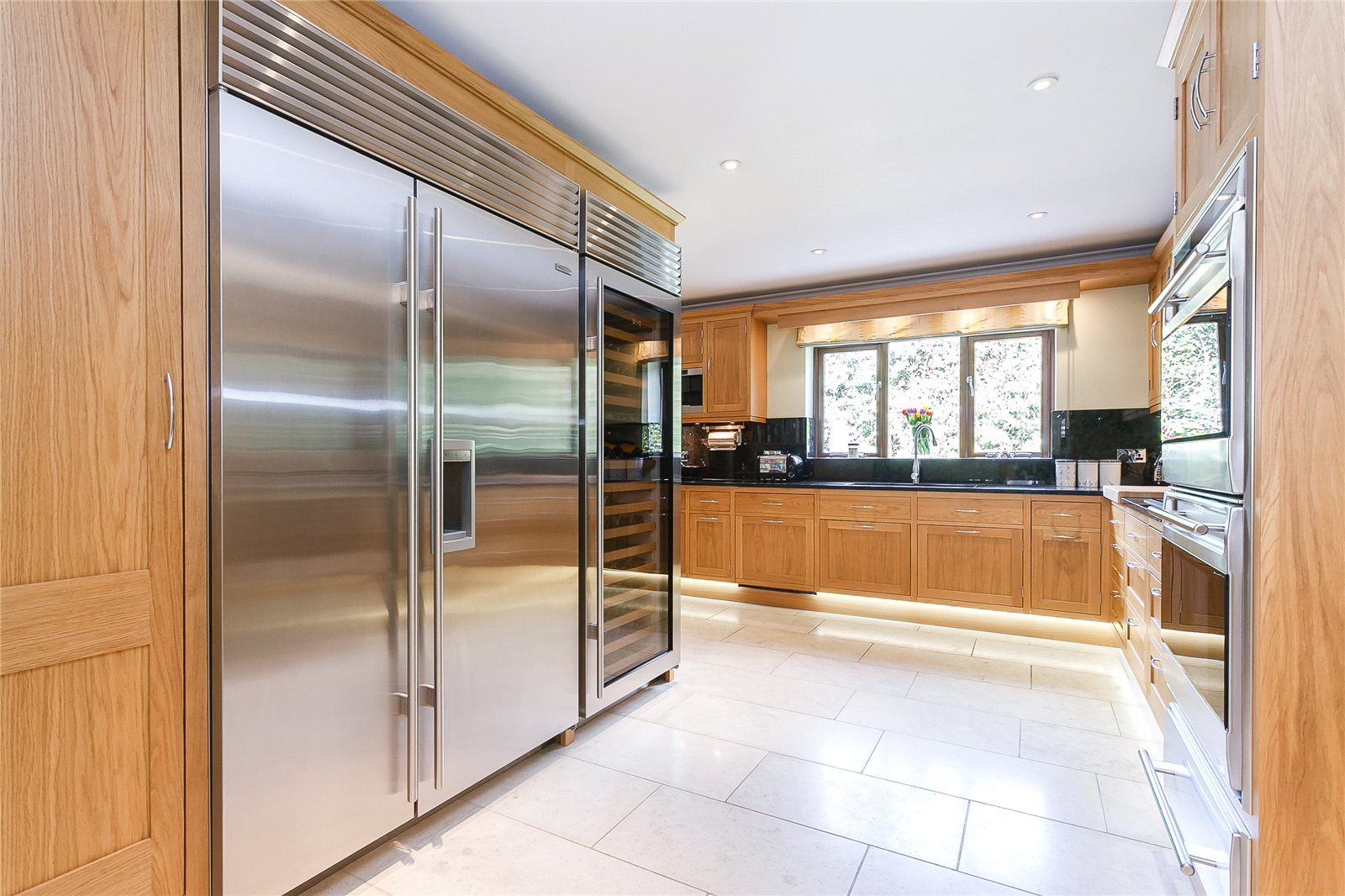 Additional photo for property listing at Woodlands Lane, Windlesham, Surrey, GU20 Windlesham, Engeland