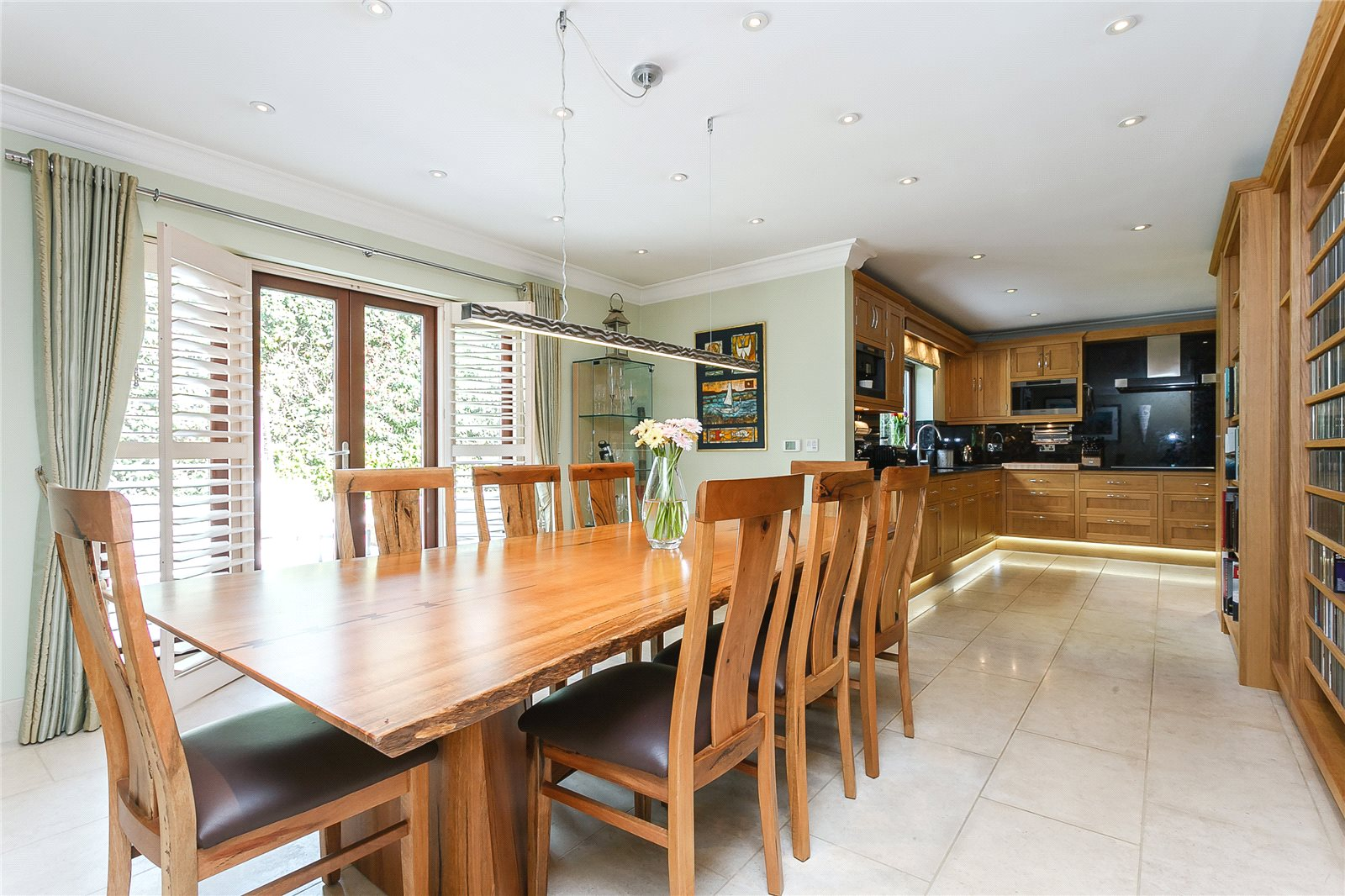 Additional photo for property listing at Woodlands Lane, Windlesham, Surrey, GU20 Windlesham, 영국