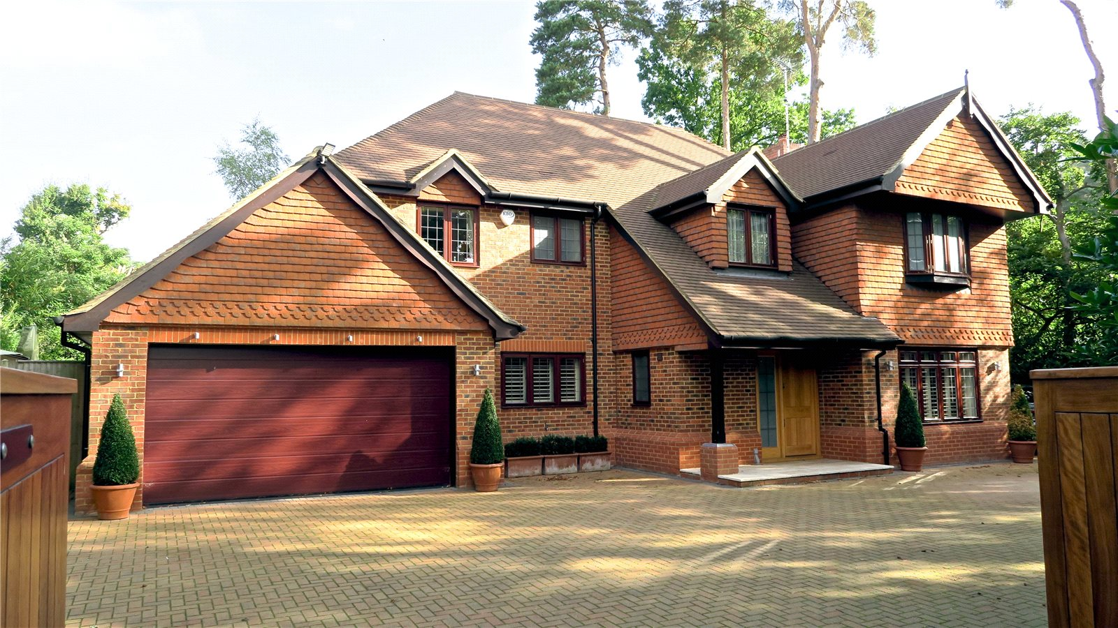 Moradia para Venda às Woodlands Lane, Windlesham, Surrey, GU20 Windlesham, Inglaterra