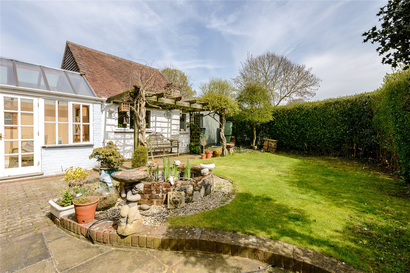 Additional photo for property listing at Church Road, Windlesham, Surrey, GU20 Windlesham, Angleterre
