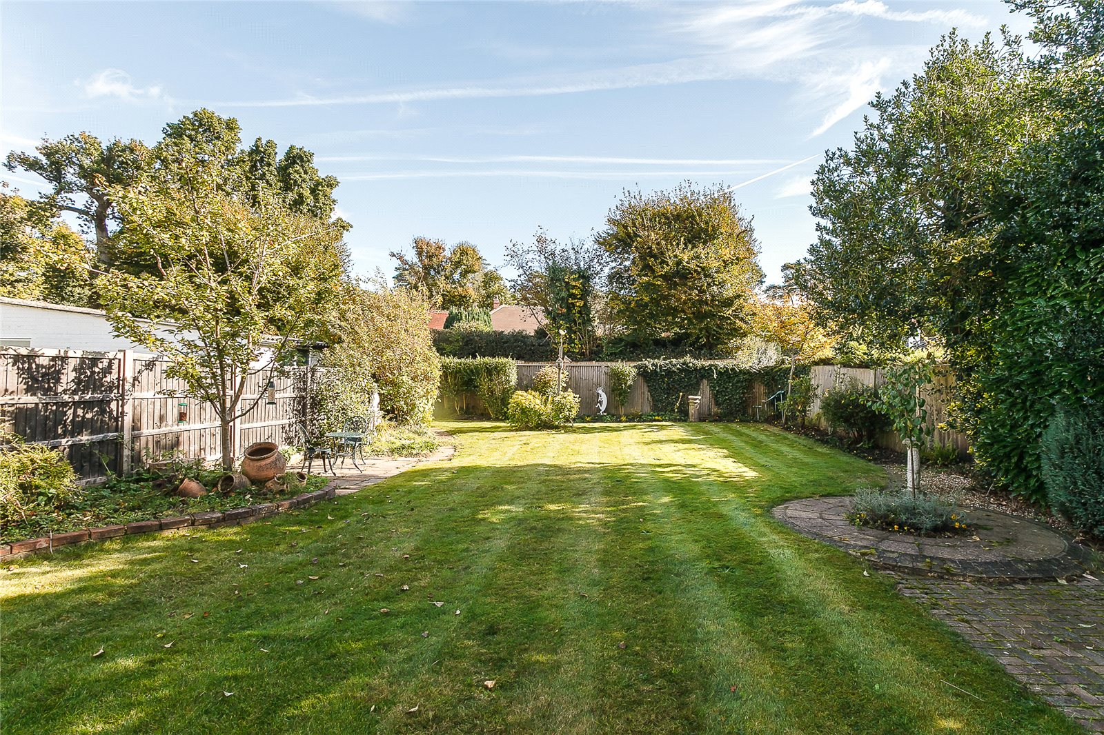 Additional photo for property listing at Pine Grove, Windlesham, Surrey, GU20 Windlesham, Inglaterra