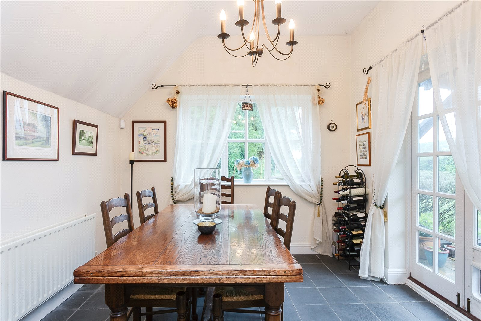 Additional photo for property listing at School Road, Windlesham, Surrey, GU20 Windlesham, Англия