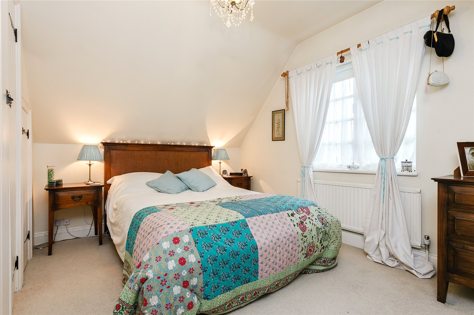 Additional photo for property listing at School Road, Windlesham, Surrey, GU20 Windlesham, Anh Quốc