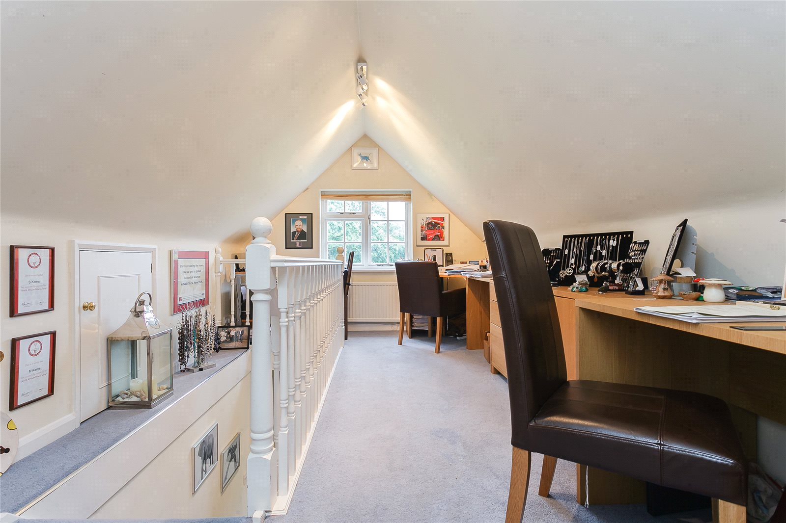 Additional photo for property listing at School Road, Windlesham, Surrey, GU20 Windlesham, Ingiltere