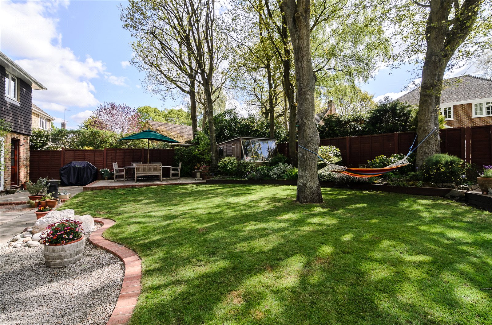Additional photo for property listing at Mill Pond Road, Windlesham, Surrey, GU20 Windlesham, Ingiltere