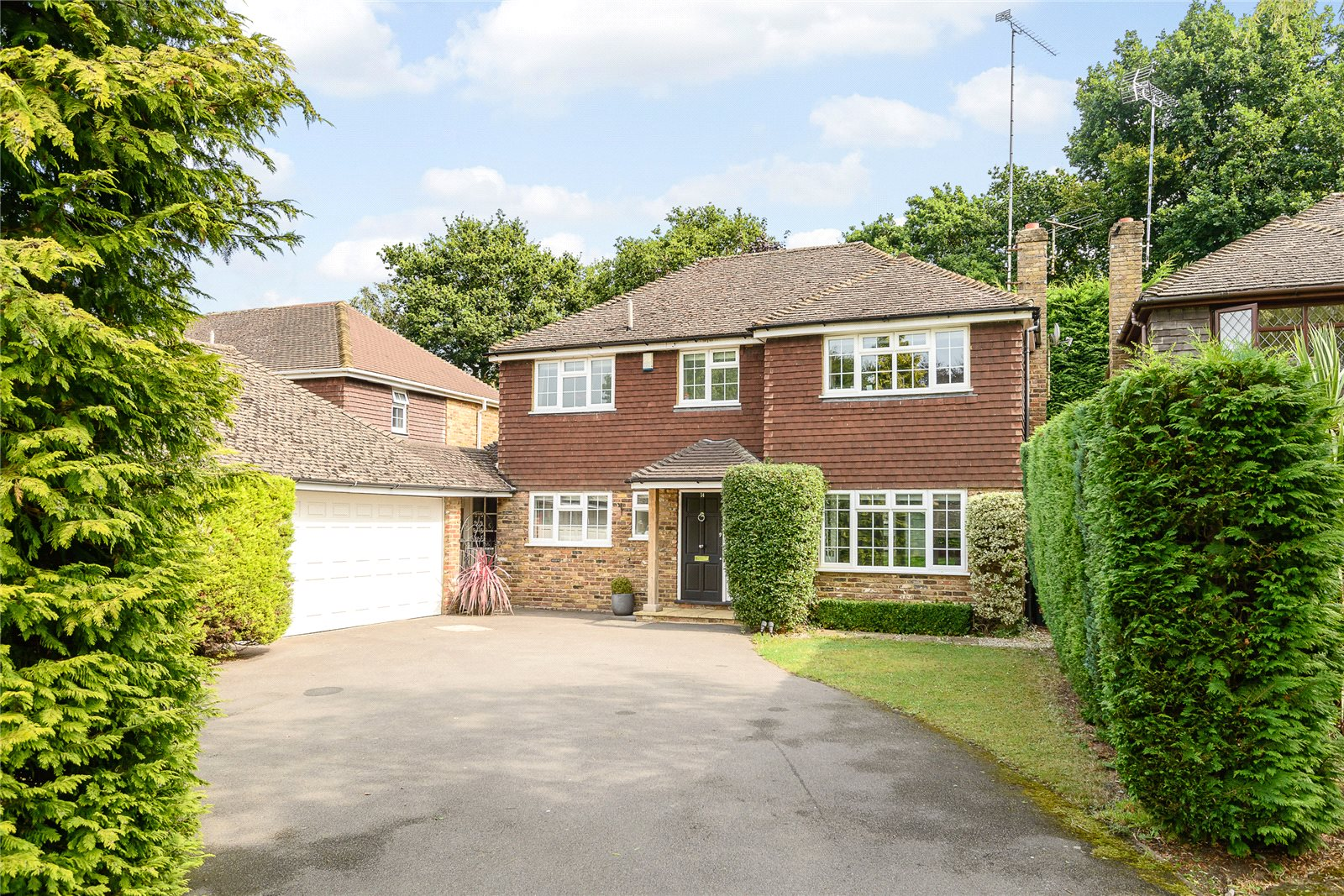 Additional photo for property listing at Bosman Drive, Windlesham, Surrey, GU20 Windlesham, Inghilterra