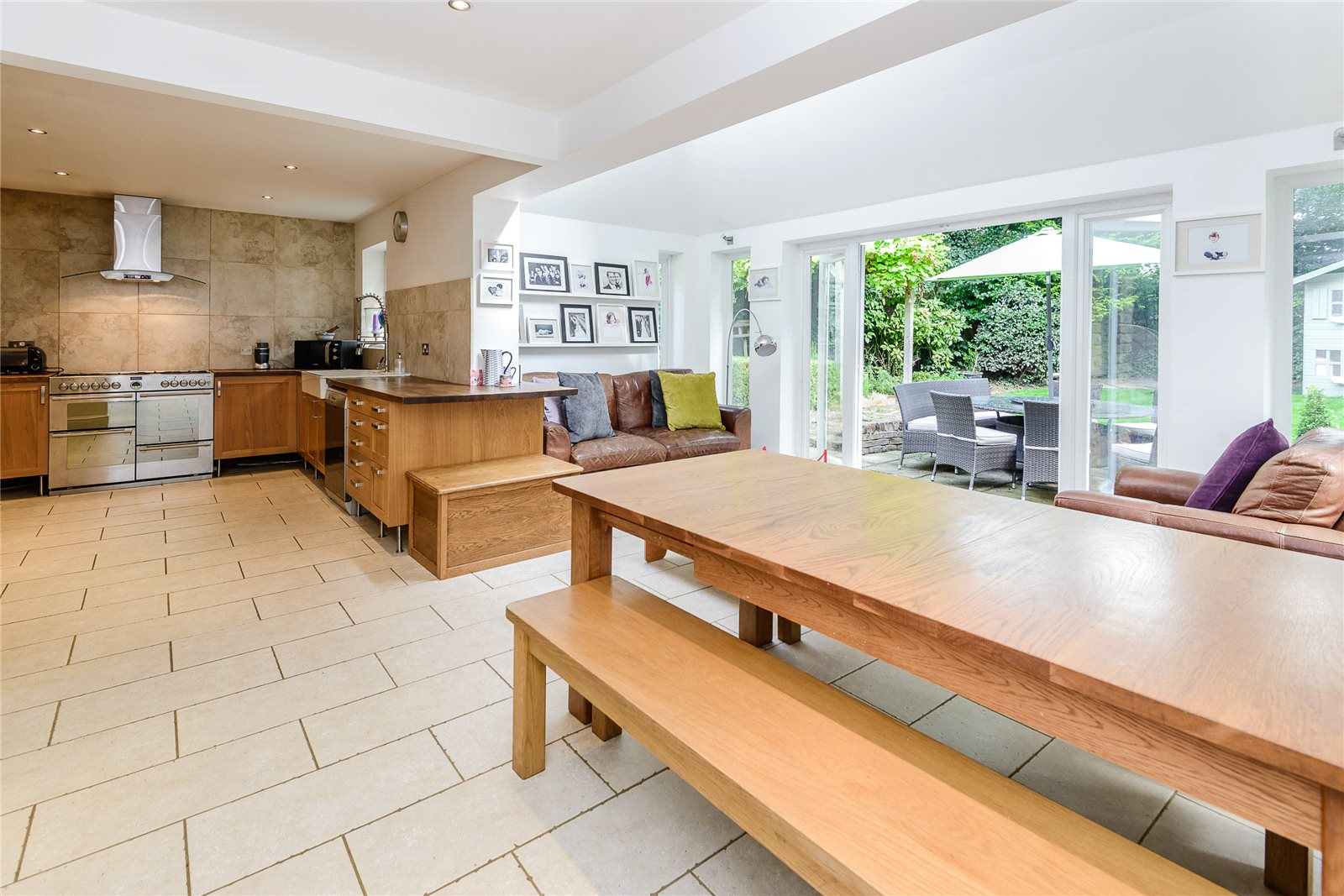 Additional photo for property listing at Bosman Drive, Windlesham, Surrey, GU20 Windlesham, England