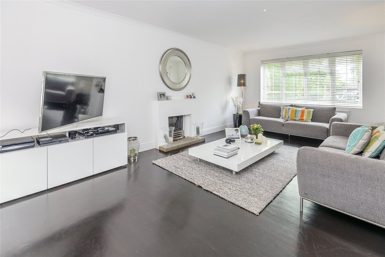 Additional photo for property listing at Bosman Drive, Windlesham, Surrey, GU20 Windlesham, Anh Quốc