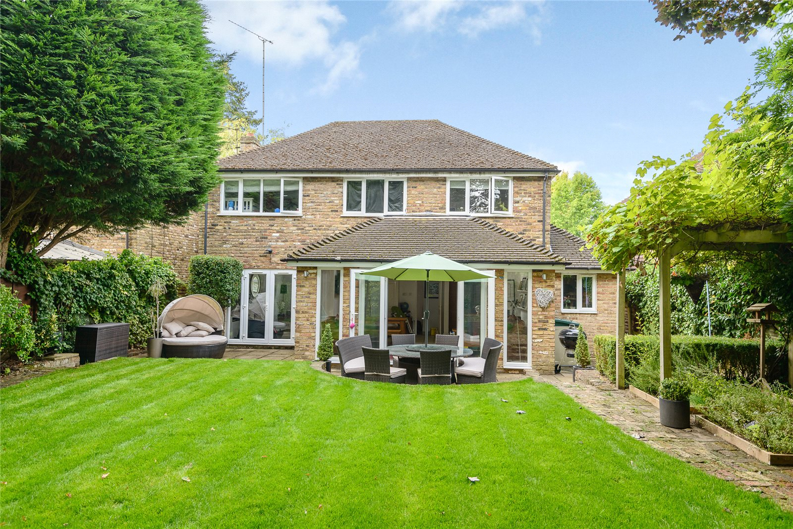 Single Family Home for Sale at Bosman Drive, Windlesham, Surrey, GU20 Windlesham, England