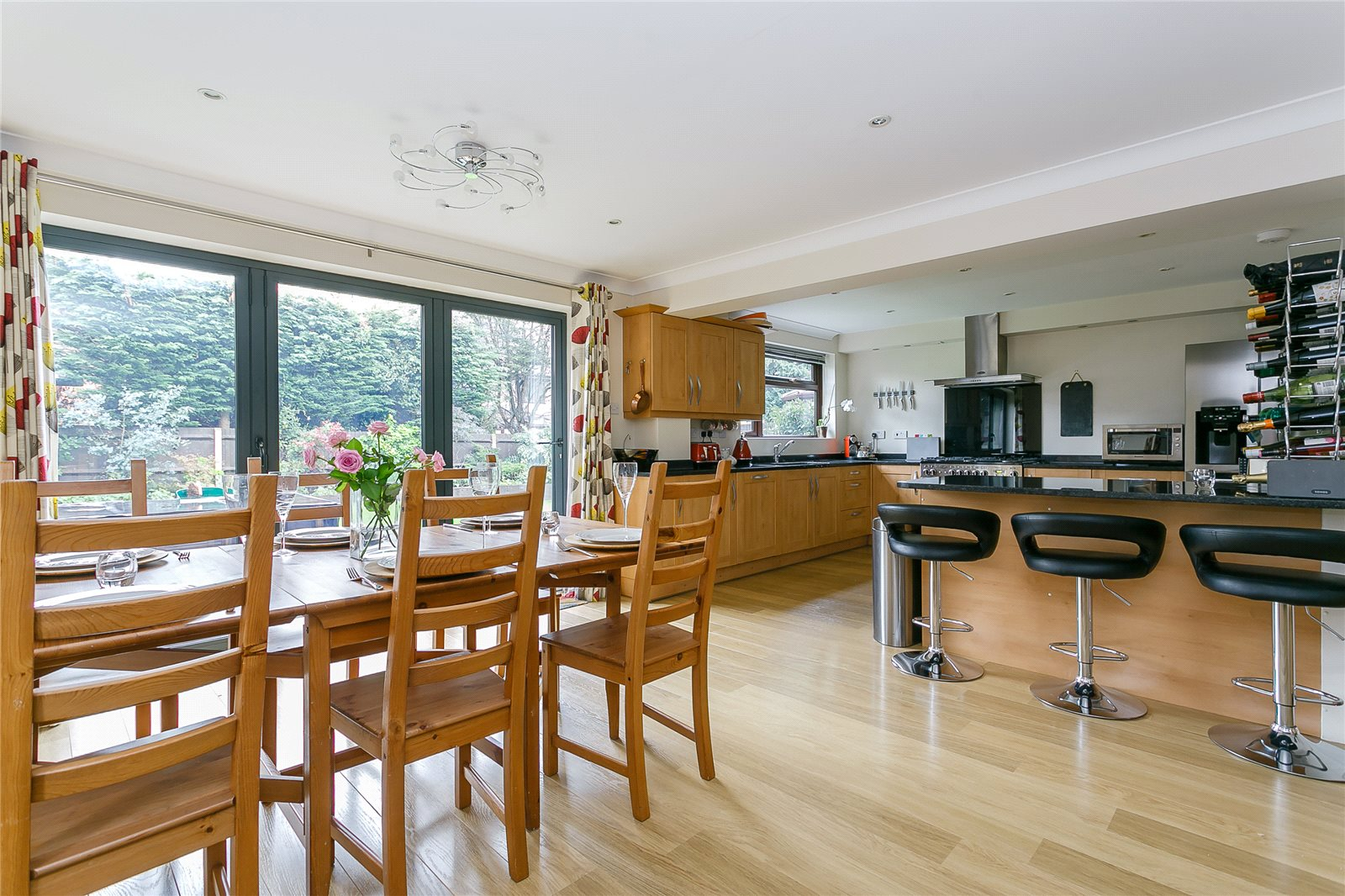 Additional photo for property listing at Newark Road, Windlesham, Surrey, GU20 Windlesham, 영국