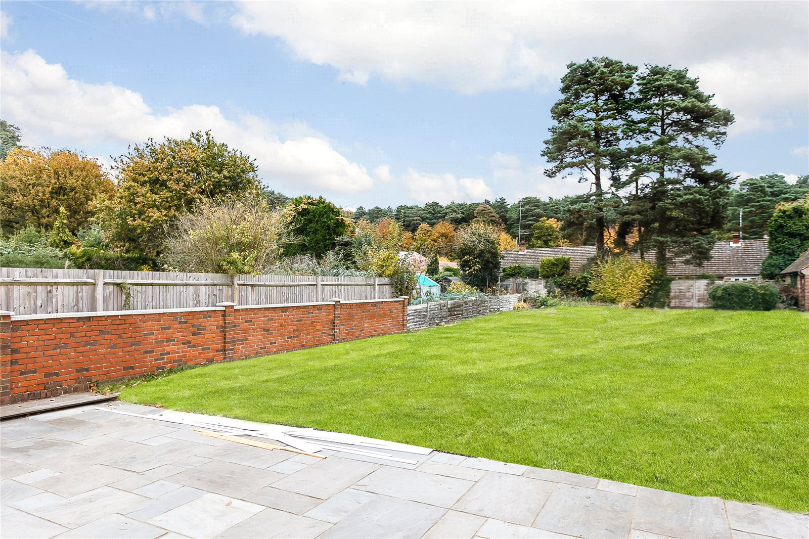 Additional photo for property listing at Kings Lane, Windlesham, Surrey, GU20 Windlesham, Αγγλια