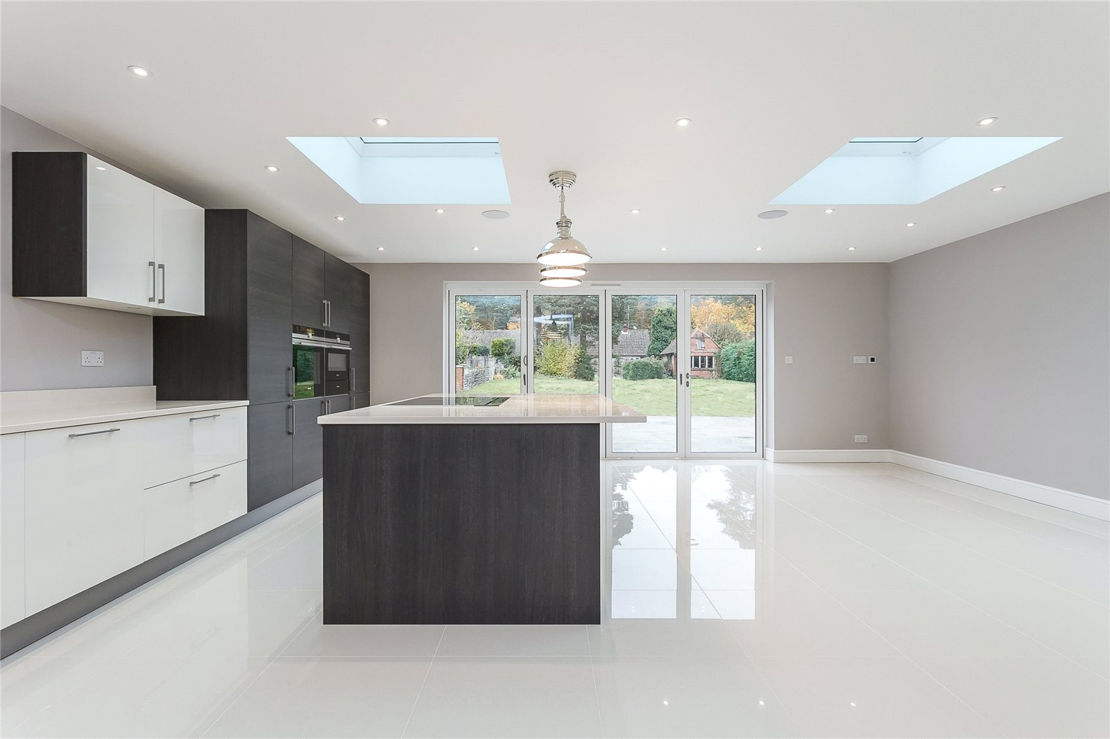 Additional photo for property listing at Kings Lane, Windlesham, Surrey, GU20 Windlesham, イギリス