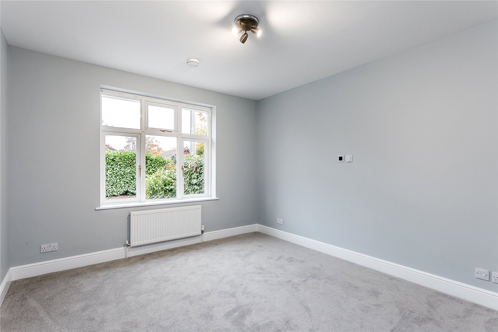 Additional photo for property listing at Kings Lane, Windlesham, Surrey, GU20 Windlesham, 영국