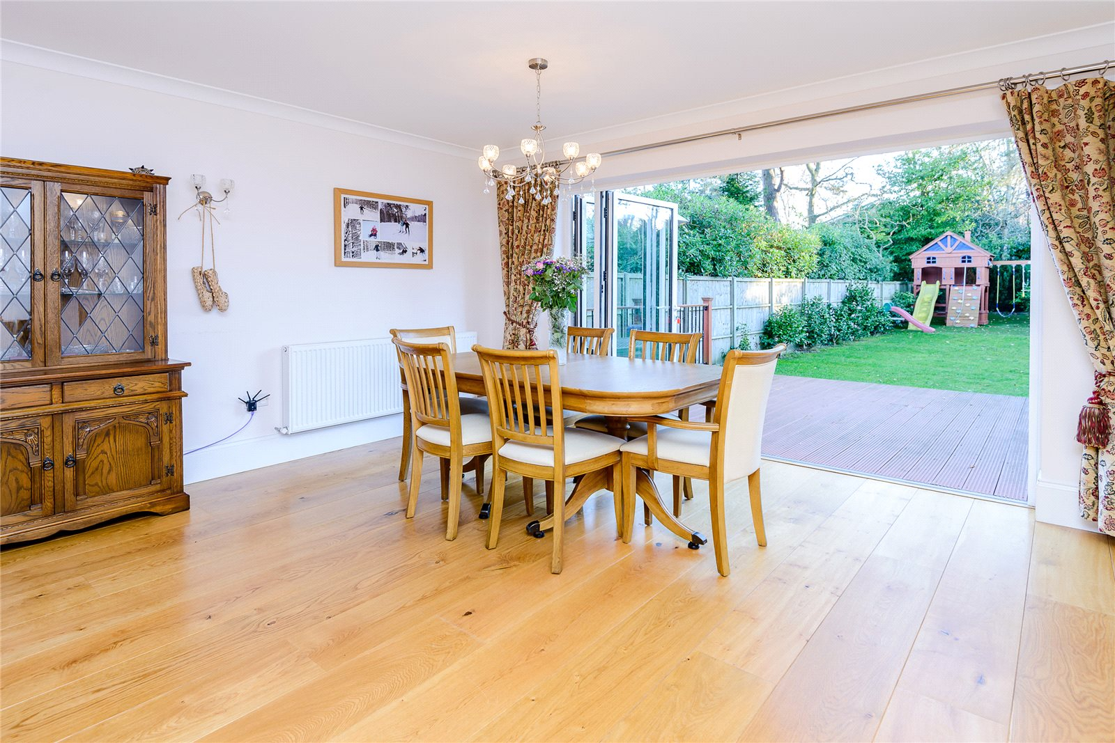 Additional photo for property listing at Ambleside Road, Lightwater, Surrey, GU18 Lightwater, England