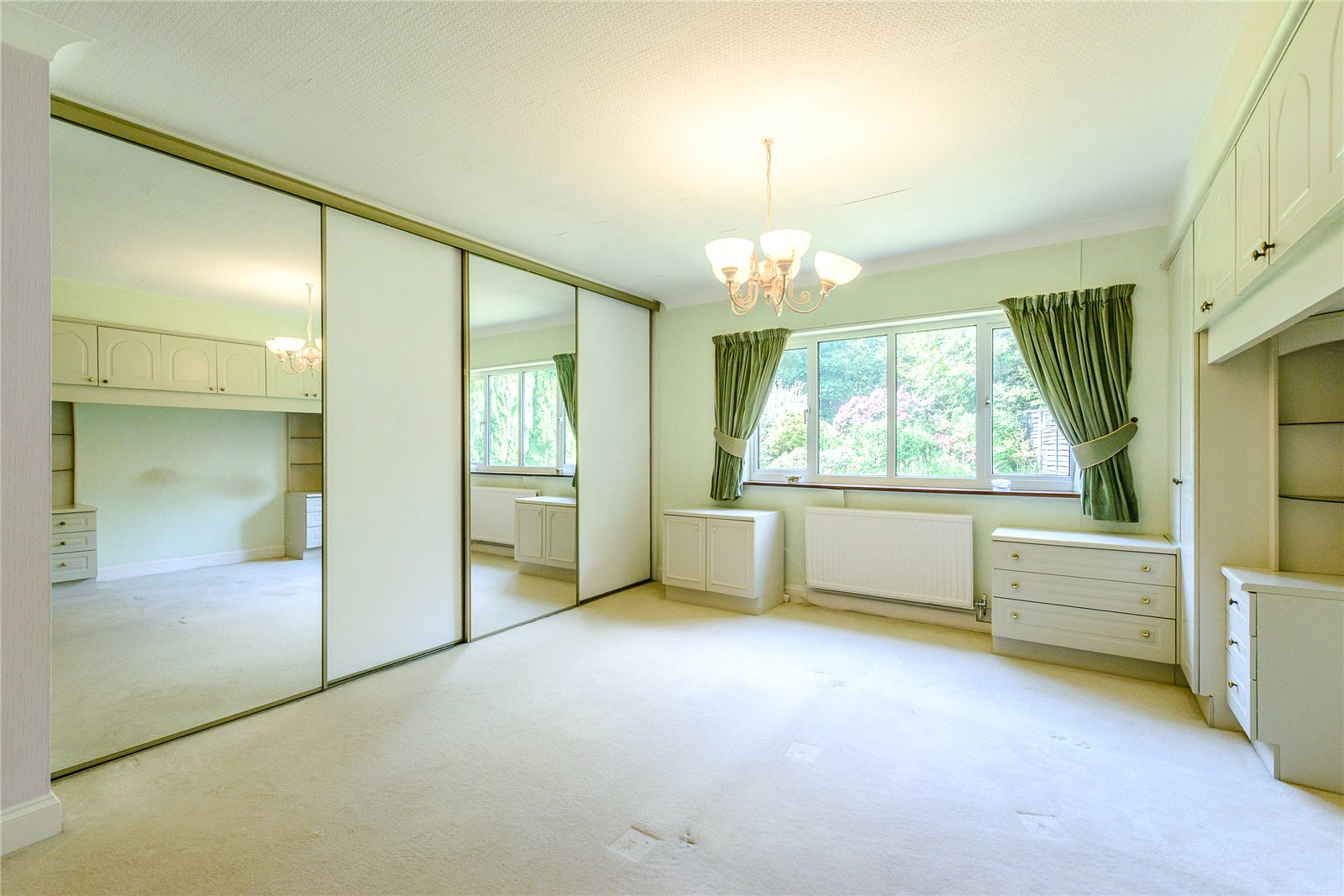 Additional photo for property listing at Snows Ride, Windlesham, Surrey, GU20 Windlesham, Angleterre