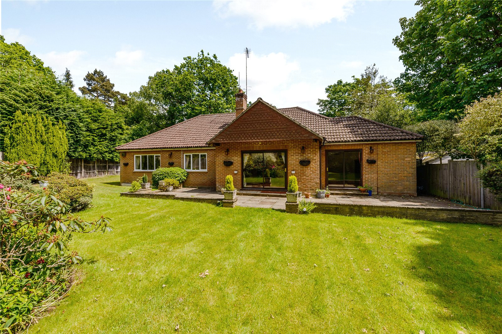 Single Family Home for Sale at Snows Ride, Windlesham, Surrey, GU20 Windlesham, England