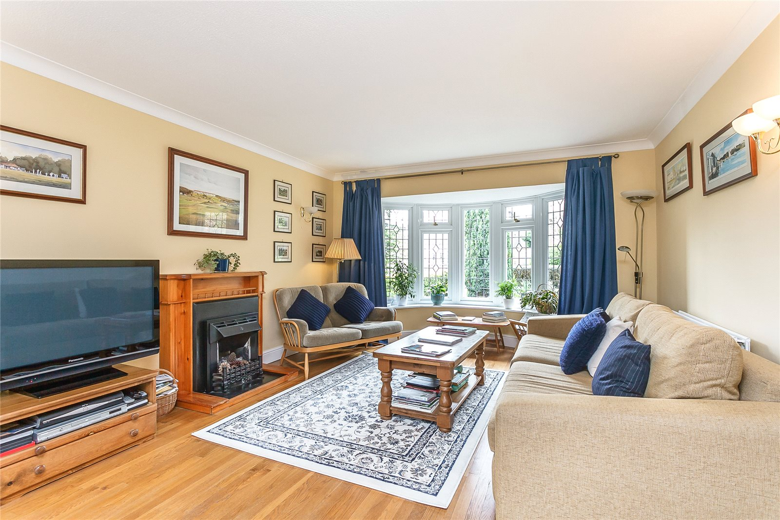 Additional photo for property listing at Govett Grove, Windlesham, Surrey, GU20 Windlesham, Inghilterra
