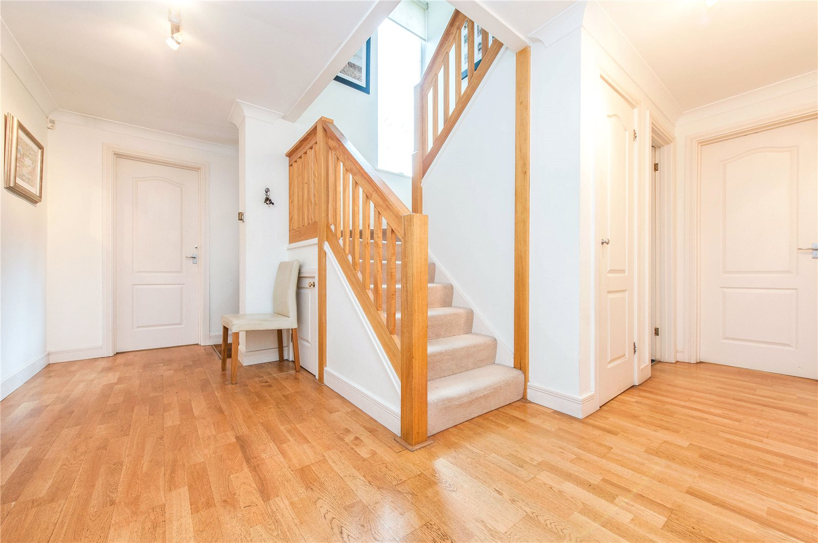 Additional photo for property listing at Springfield, Lightwater, Surrey, GU18 Lightwater, イギリス