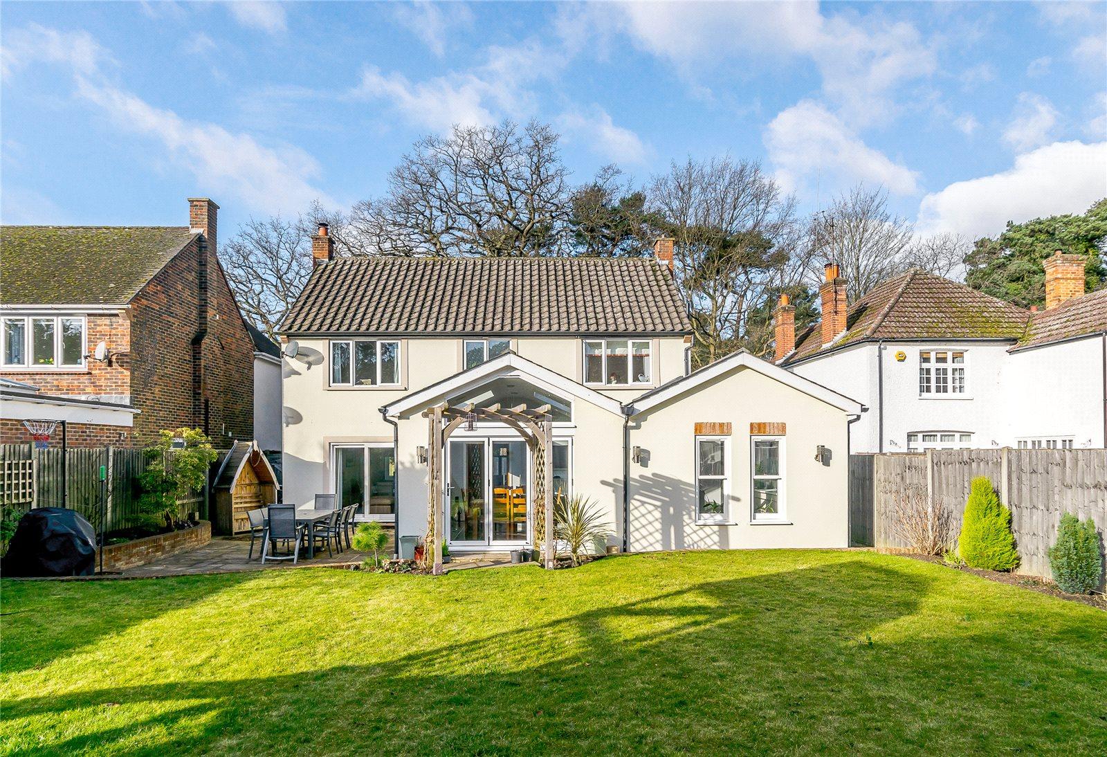Nhà ở một gia đình vì Bán tại Pine Grove, Windlesham, Surrey, GU20 Windlesham, Anh Quốc