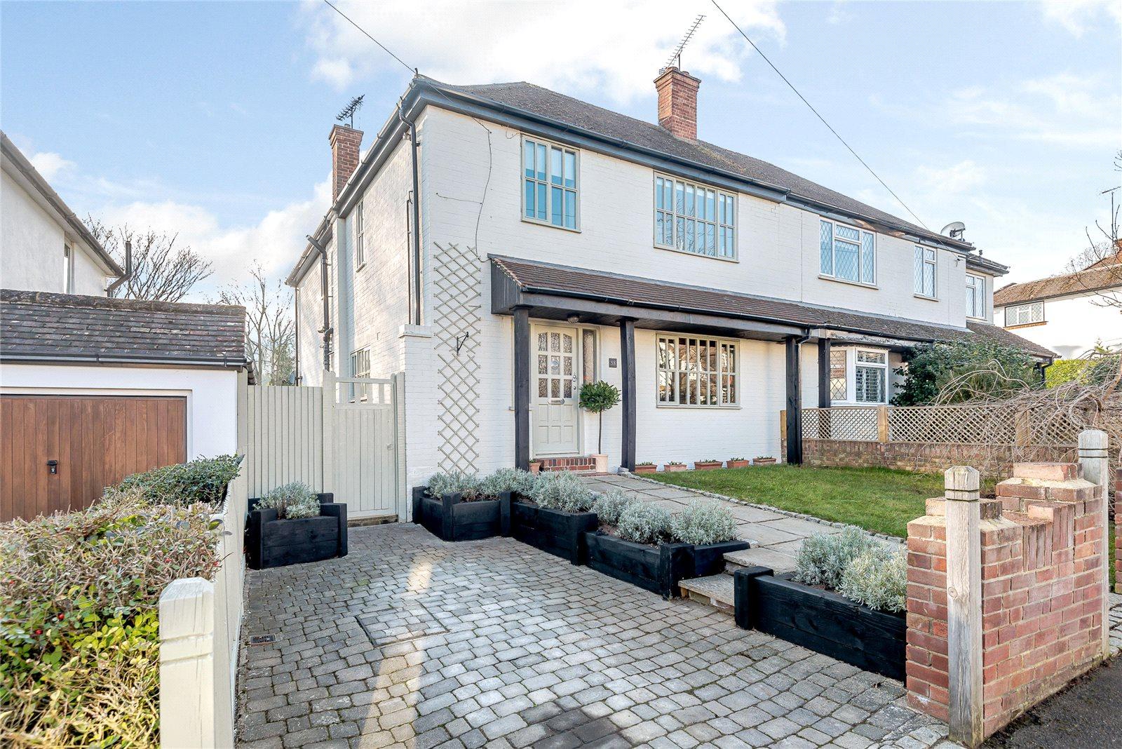 Nhà ở một gia đình vì Bán tại Poplar Avenue, Windlesham, Surrey, GU20 Windlesham, Anh Quốc