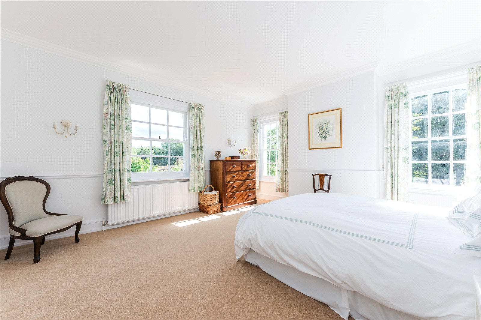 Additional photo for property listing at London Road, Kings Worthy, Winchester, Hampshire, SO23 Winchester, Англия