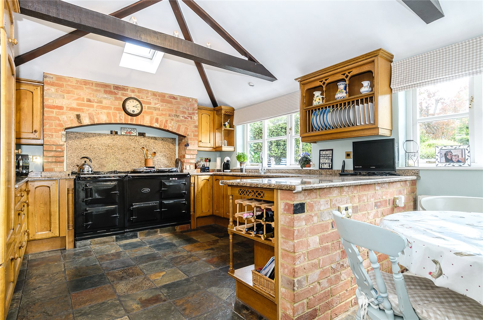 Additional photo for property listing at Rectory Road, Oakley, Hampshire, RG23 Oakley, England