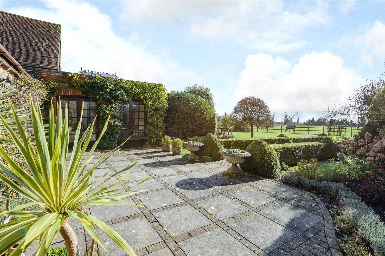 Additional photo for property listing at Park Lane, Upper Swanmore, Southampton, SO32 Southampton, Angleterre
