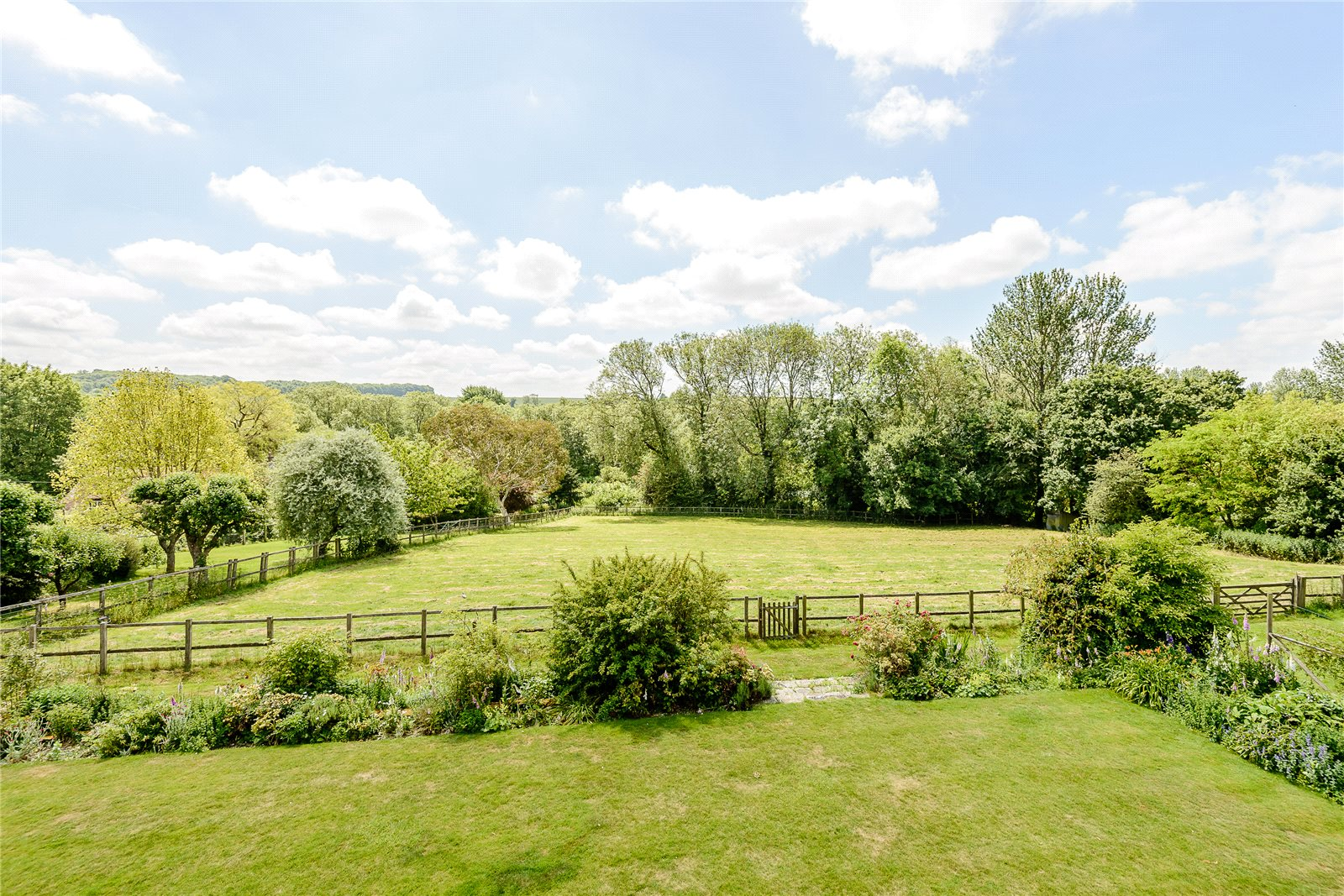 Additional photo for property listing at Church Lane, Martyr Worthy, Winchester, Hampshire, SO21 Winchester, Angleterre